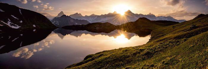 Sisustustaulu Reinders Mountain Evening Sunset