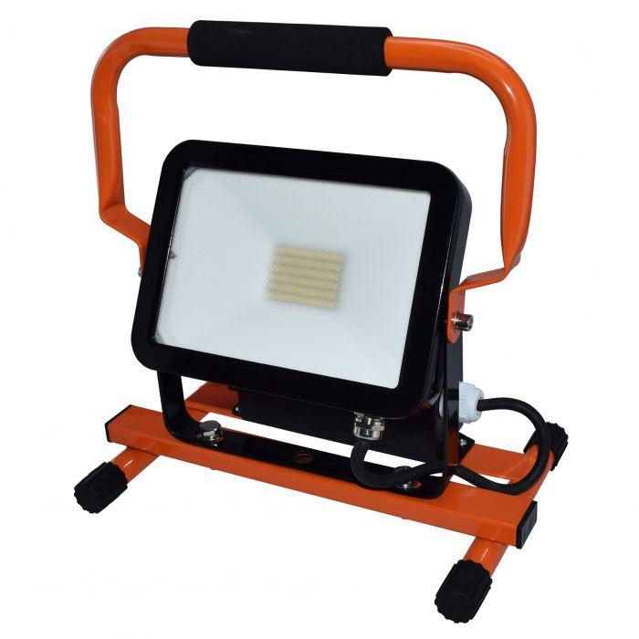 LED-työvalaisin ElectroGEAR 30W IP44 2 x Pistorasiaa