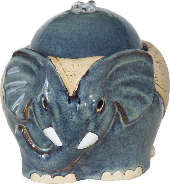Sisäsuihkulähde elefantti