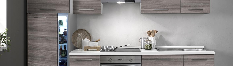 Laura-keittiön puunväri huokuu lämpöä ja kodikkuutta